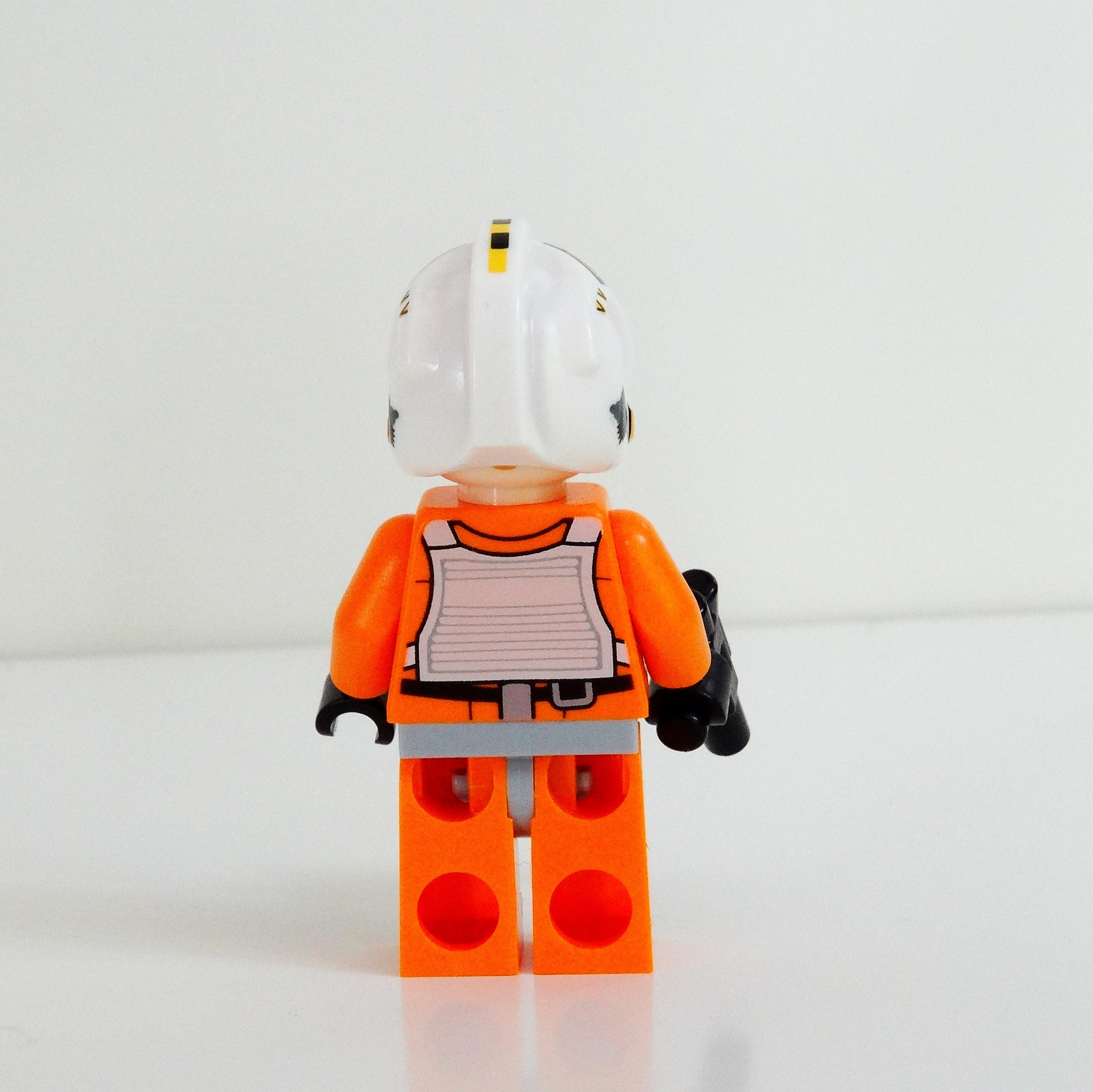 Rückansicht der Rebellenpiloten-Minifigur.